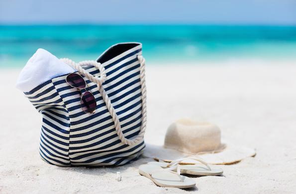 Riciclo creativo le borse da spiaggia fai da te for Porta borse fai da te